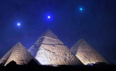 Three_Pyramids