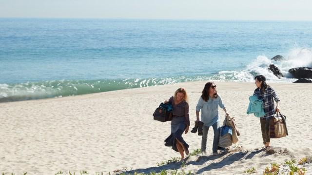 RS_LT_Ladies_beach_waves_Landscape_YTube