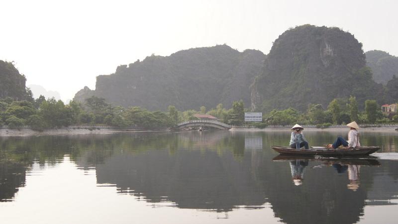 111011 Tam Coc River Cruise