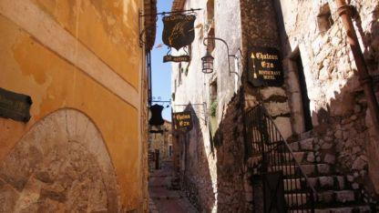 Narrow streets of Saint Paul de Vence
