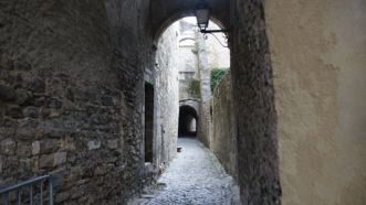 Narrow streets of Viviers