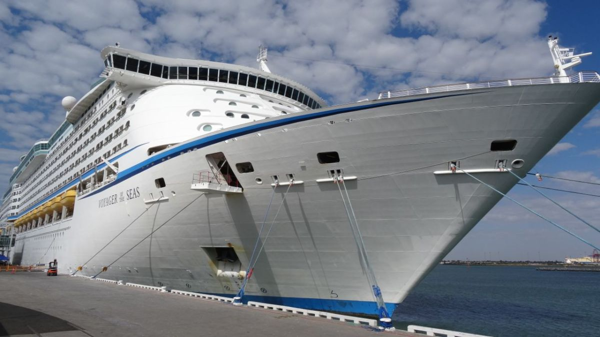 140206 Voyager of the Seas Inspection
