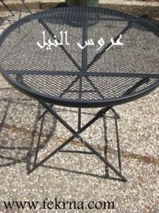 غطاء للطاولة من ستارة البانيو