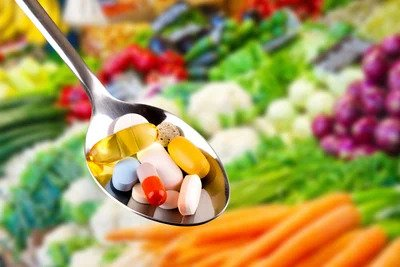 تناول أقراص الفيتامينات والمعادن هو بديل جيّد للطّعام