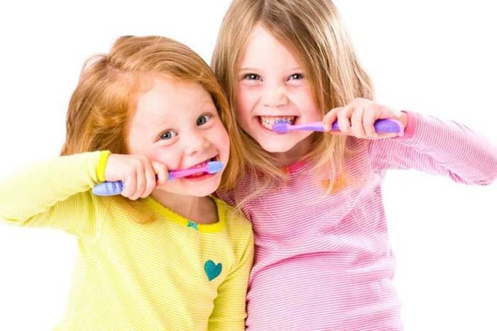 نصائح للعناية بأسنان الأطفال
