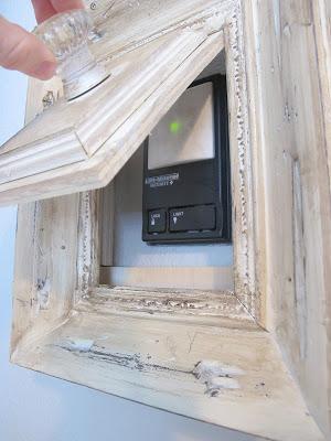 باب لوحه الكهرباء من إطار الصور القديم