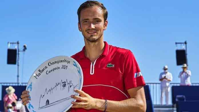 Ponturi tenis Alcaraz vs Medvedev