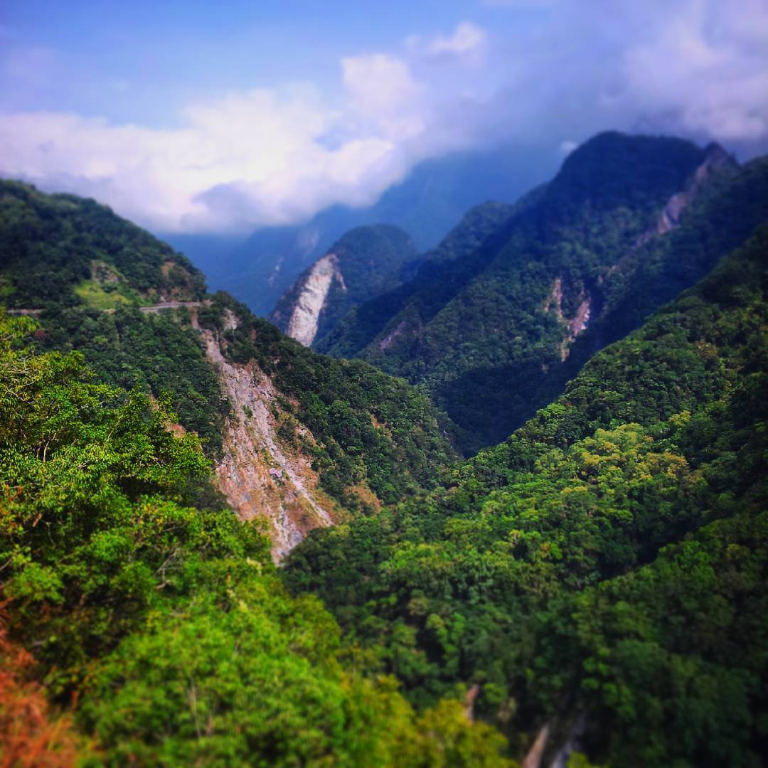 On the cross-central highway to Hehuanshan, Taiwan