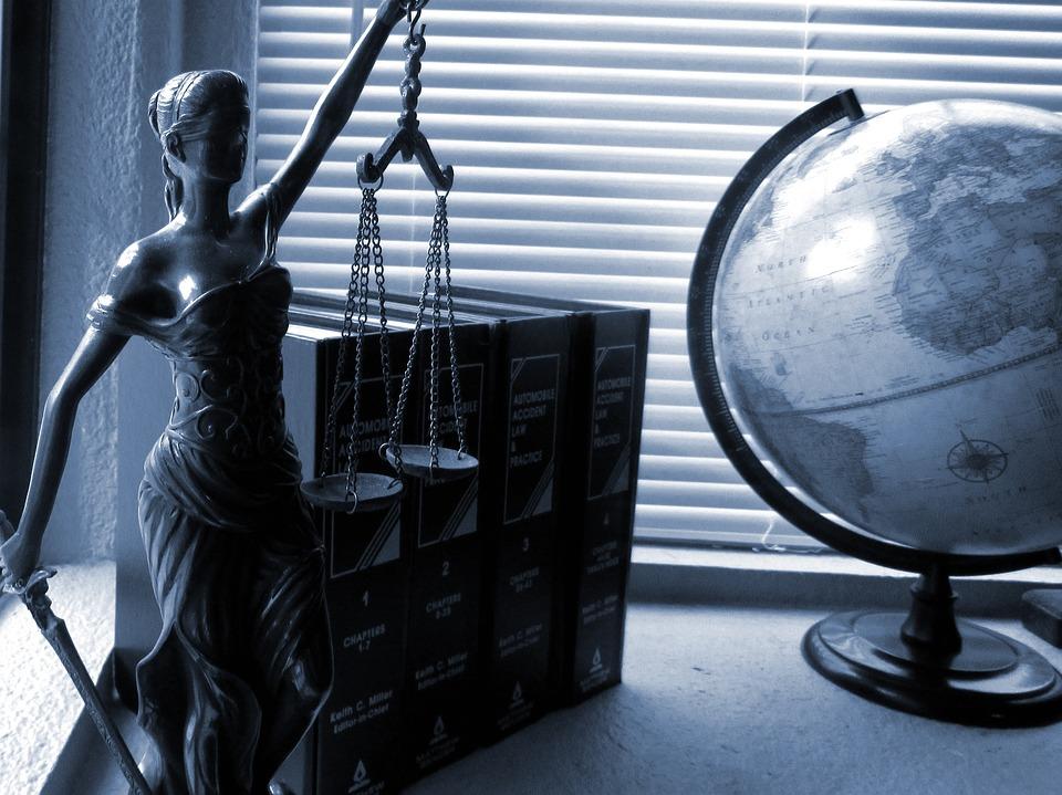 Justice' CC0 via Pixabay