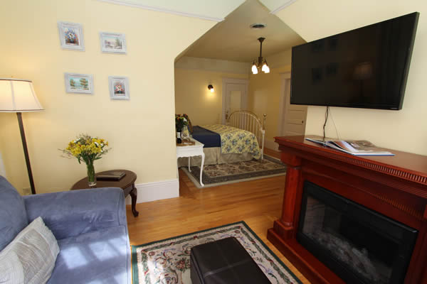 wine country living room gaming pc setup sonoma vacation rentals county rooms rental