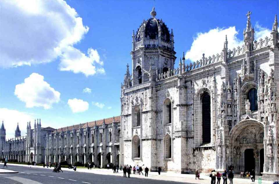 6 Monastery of Jeronimos outside Fotor 2