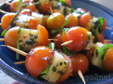 Cherry Tomatoes with Mozarella & Basil