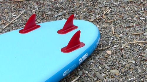 Three integrated tracking fins