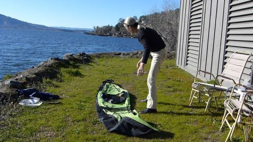 Unfolding the Innova Swing EX kayak body.