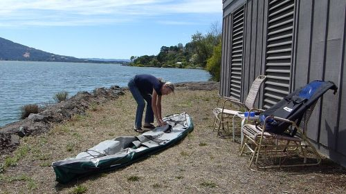 Unfurling the kayak body
