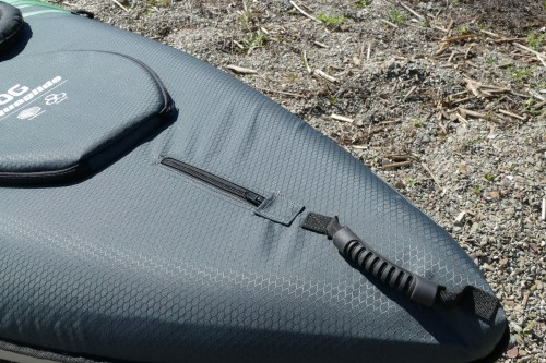 Rear zipper and handle
