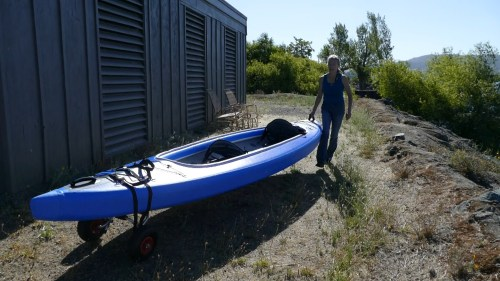 Using the kayak dolly