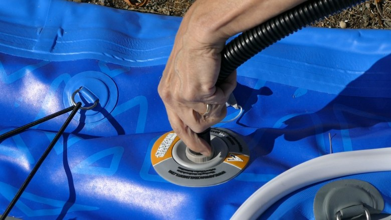 Attaching the pump hose