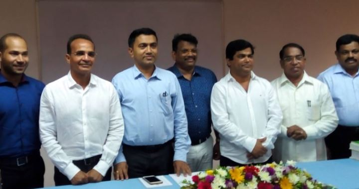 MICHAEL ADMINISTRATES OATH OF OFFICE AND SECRECY TO 4 NEWLY ELECTED MLA'S