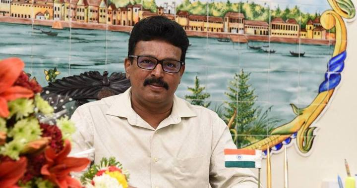 SACK AND CONDUCT VIGILANCE INQUIRY AGAINST SMART CITY CEO : PANJIM MAYOR