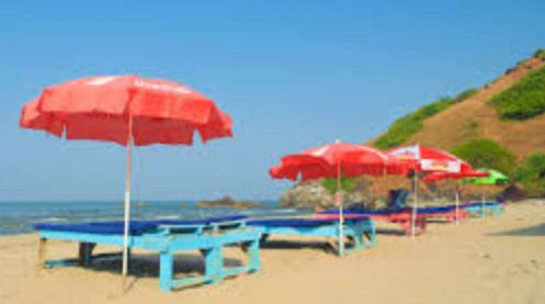 UNEMPLOYED YOUTH PERMITTED TO PUT DECK BEDS ON GOAN BEACHES. ERECTION OF 364 BEACH SHACKS ALLOWED ACROSS GOA THIS YEAR: GOA GOVT
