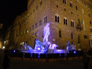 Neptune fountain with black light (Palazzo Vecchio in background), near our apartment