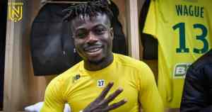 Moses Simon Signs 4-Year Deal Nantes