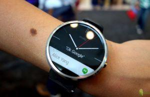 Motorola Moto 360 Clock