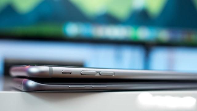 Samsung Galaxy S7 Edge vs iPhone 6s Plus Design
