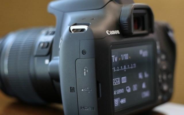 Canon EOS 1300D Ports