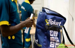 Flipkart delivery boy change 12 iPhones with the fake ones