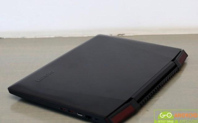 Lenovo Ideapad Y700-15ISK looks