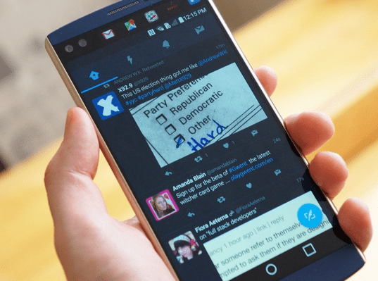 Twitter's latest update for Android brings automatic night mode