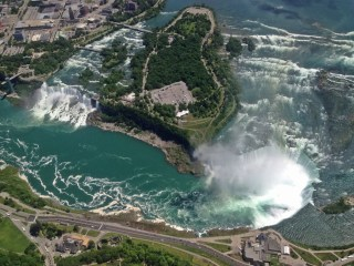 Canada: From Stunning Waterfalls to Charming Surf Towns