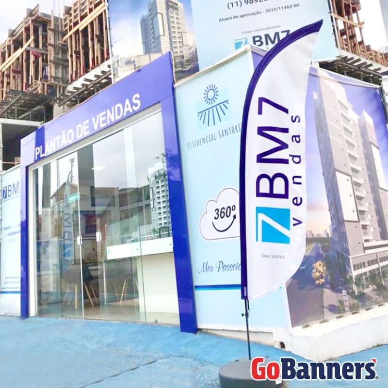 Banner de Calçada BM7 Empreendimentos