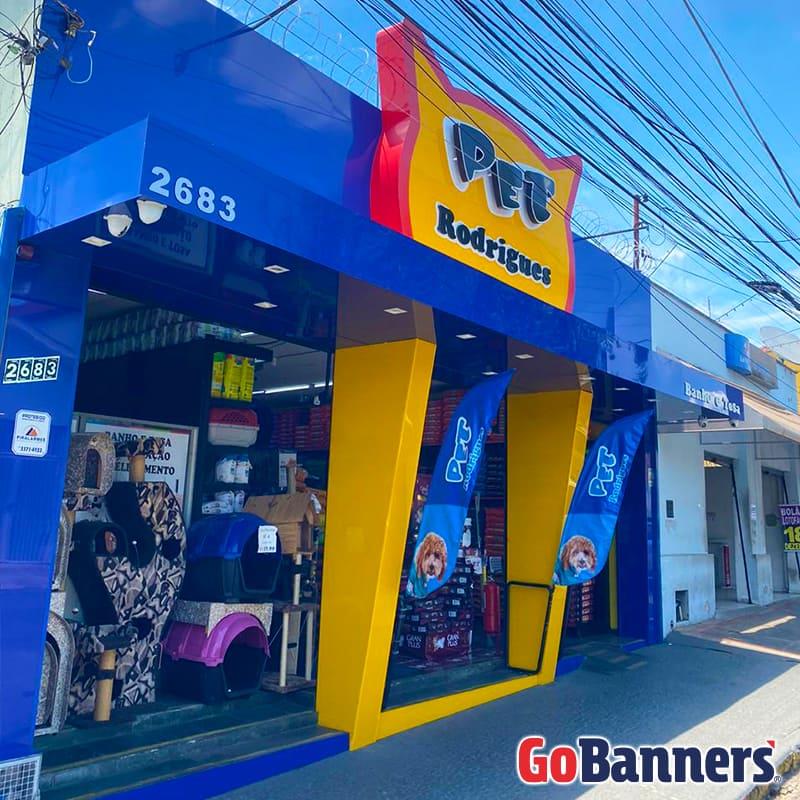 boa comunicacao visual com banner Pet Rodrigues