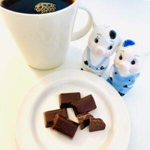 チョコと子豚たちとコーヒー