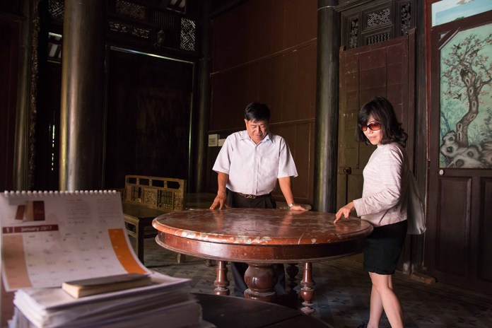 1 DOC PHU HAI 15 1536121212 1200x0 Vẻ đẹp xuyên thời gian của ngôi nhà hơn 100 năm tại Tiền Giang