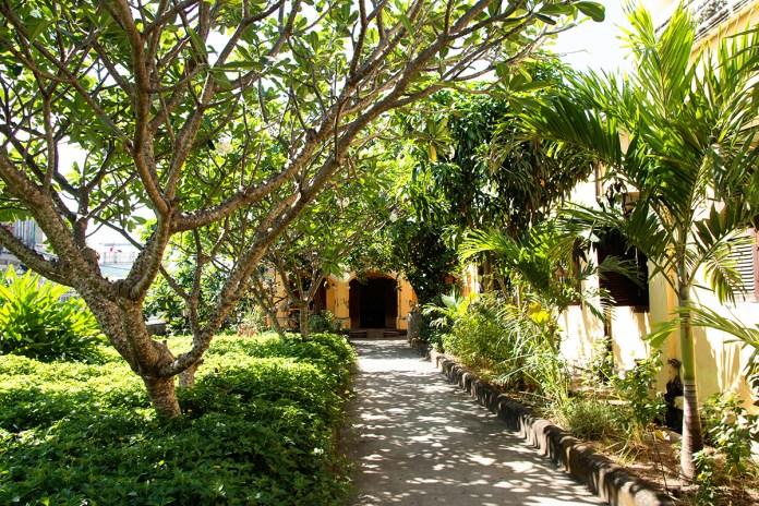 1 DOC PHU HAI 2 1536121177 1200x0 Vẻ đẹp xuyên thời gian của ngôi nhà hơn 100 năm tại Tiền Giang