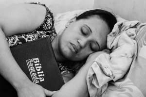 sleeping-670736_1280