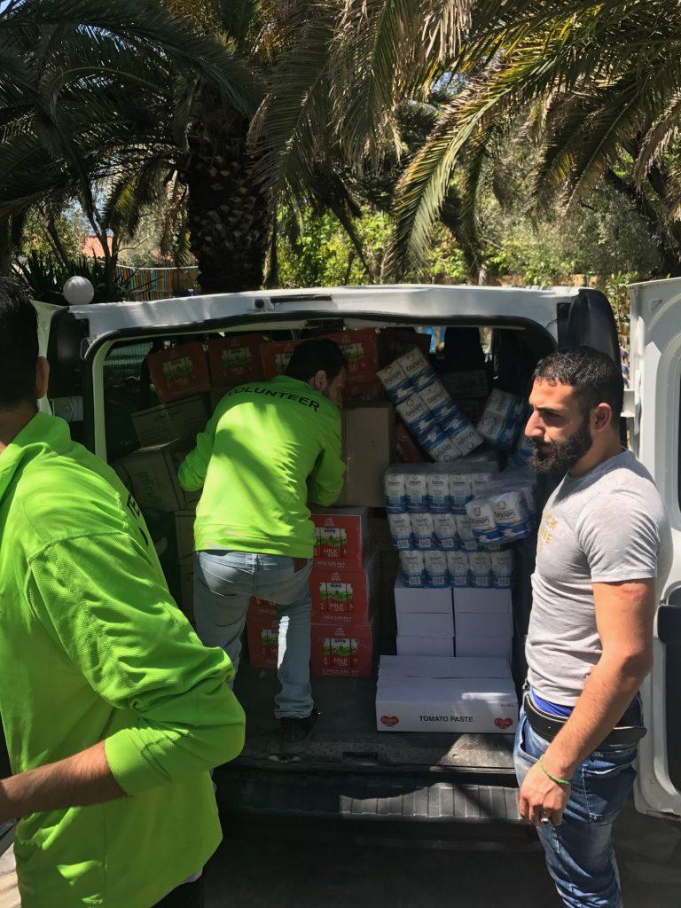 Unloading at Hu