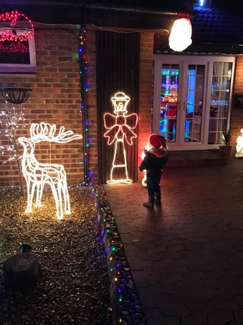 godberstravel, surviving Christmas with young children, Christmas lights