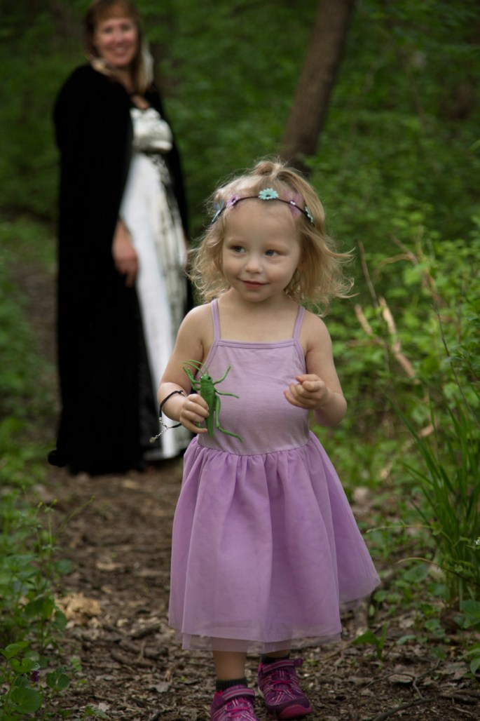 Tanya-and-daughter-in-forest