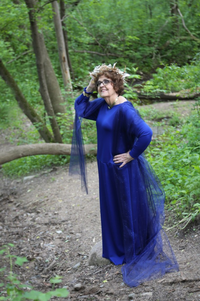 goddess-gloria-in-woodland-path