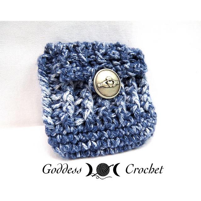 crochet pouch pattern, free crochet pattern, button pouch