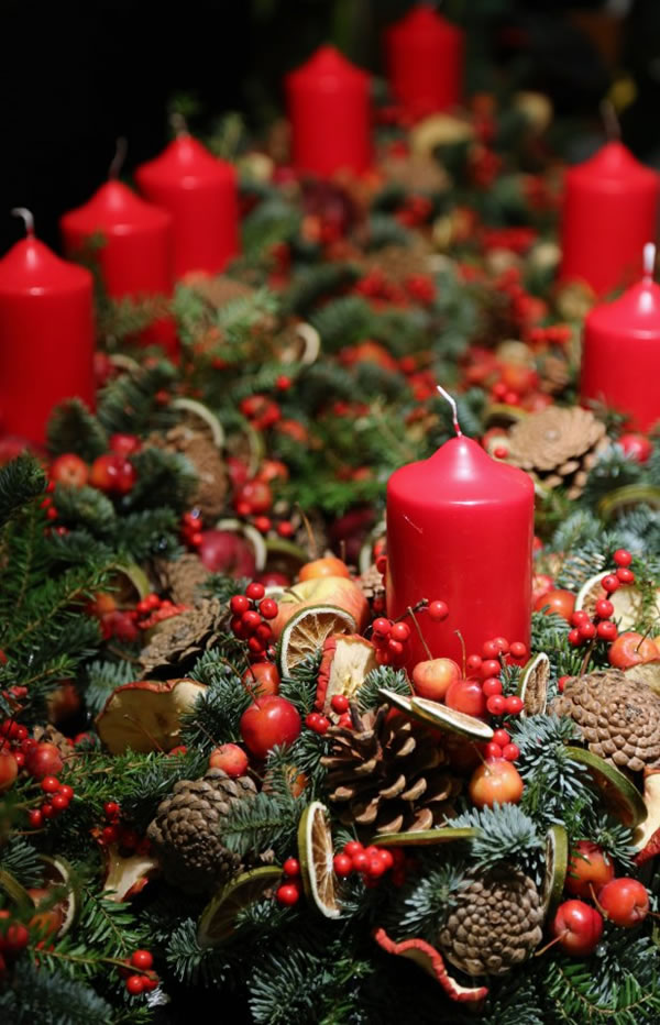 FRESH CHRISTMAS DECORATIONS FOR THE NATURE LOVERS  Godfather Style