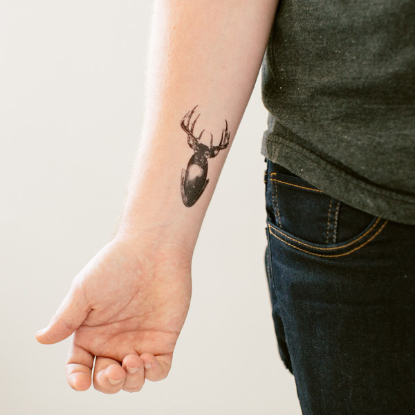 20 FUN TO MAKE TEMPORARY CHRISTMAS TATOOS TO FEEL THE