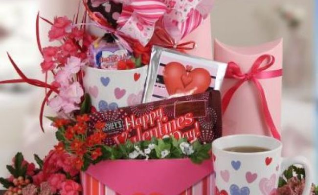 18 Valentine Gift Ideas For Your Girlfriend