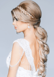 gorgeous hairstyle bride