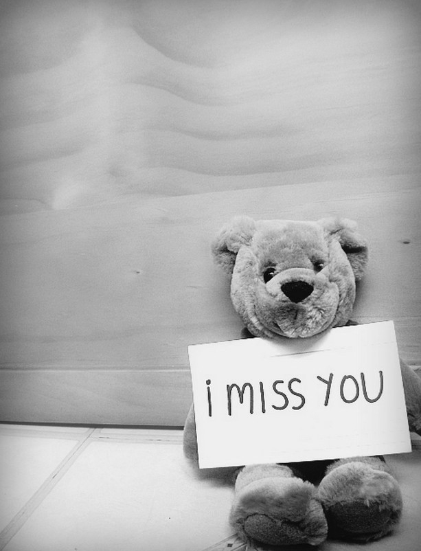 Sad Small Girl Wallpapers 26 Hearttouching Miss You Images Godfather Style